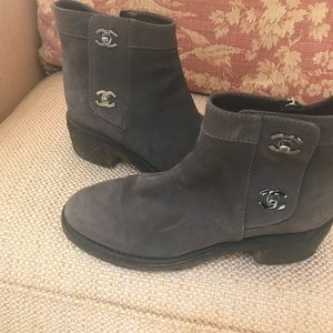Chanel boot - size 7